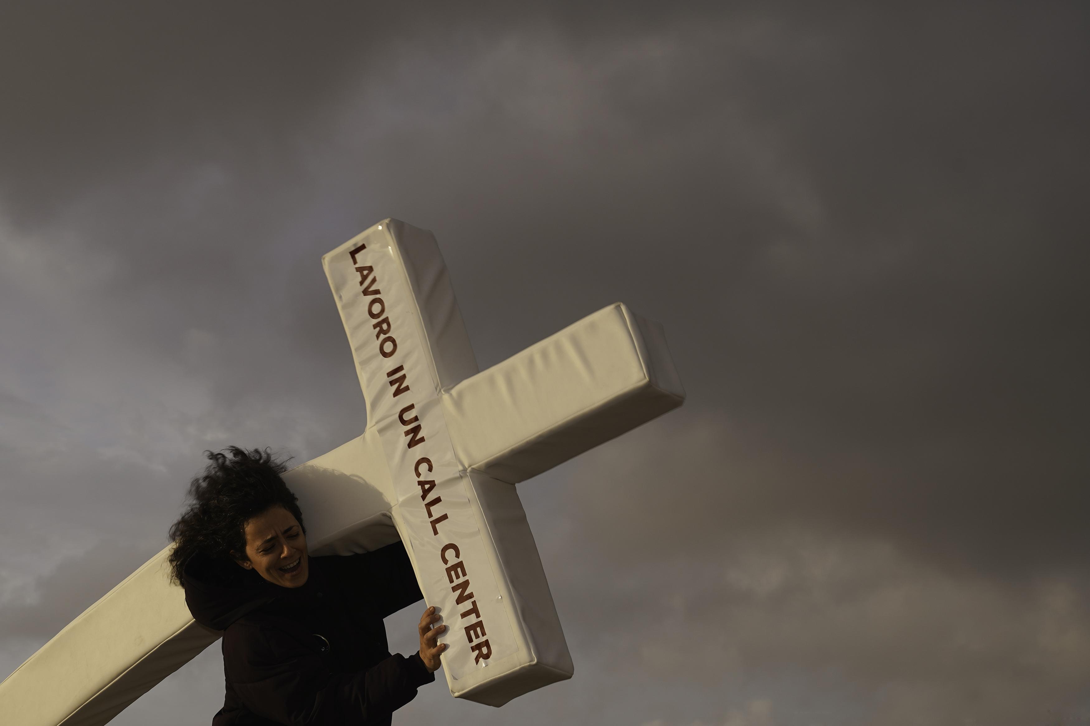 callcenter - La corsa dei poveri cristi